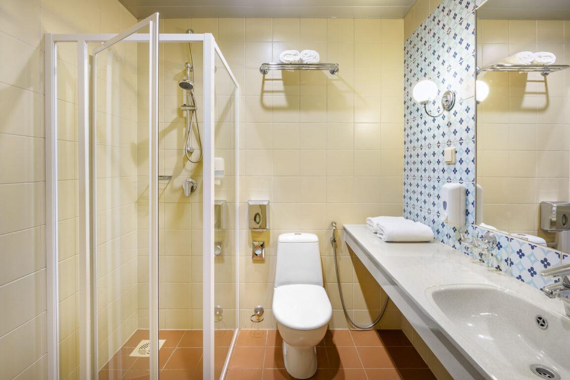 Superior rooms I Bathroom I LaSpa spa hotel in Laulasmaa